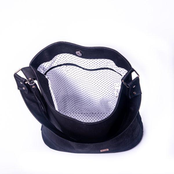 Stylische, funktionales und elegantes Raumwunder aus schwarzen Korkleder Innenansicht