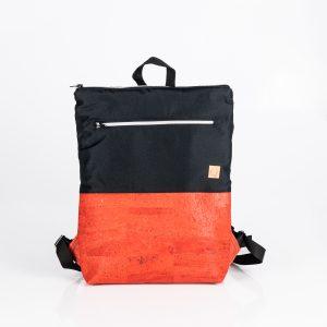 Urban, trendig, praktisch, mobil, flexibel ist der City – Rucksack Annabelle in Red/Black Vorderansicht.